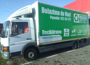 zeleni kamion